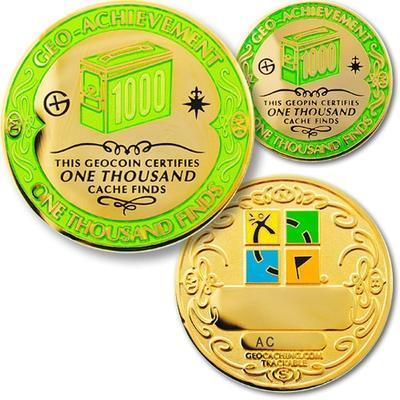 1000 Finds Geocoin + odznak + krabička - 1