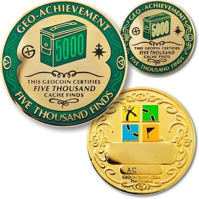 5000 Finds Geocoin + odznak + krabička - 1