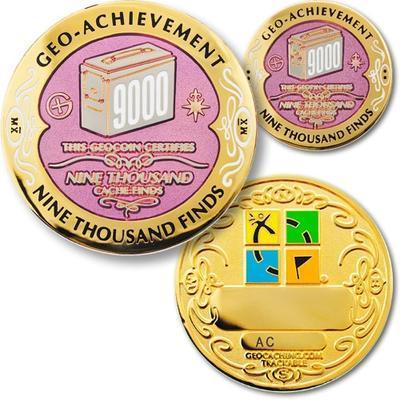 9000 Finds Geocoin + odznak + krabička - 1