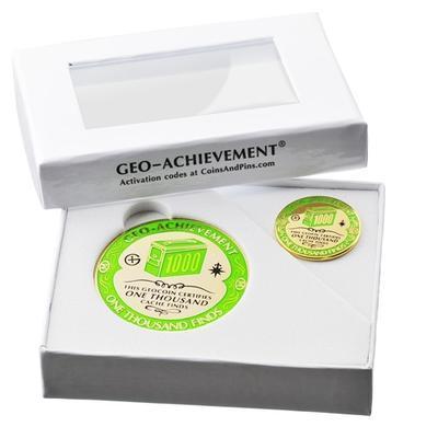 1000 Finds Geocoin + odznak + krabička - 2