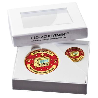 10000 Finds Geocoin + odznak + krabička - 2