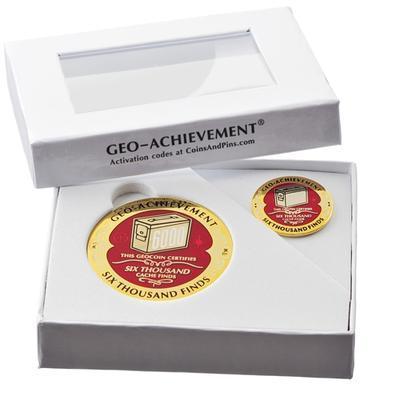 6000 Finds Geocoin + odznak + krabička - 2